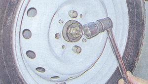 затяжка гайки подшипника передней ступицы ваз 2107