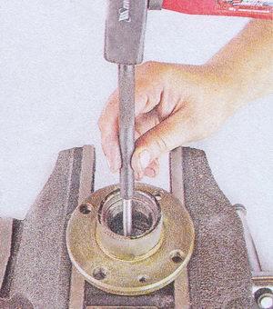 выпрессовка наружного кольца внутреннего подшипника ступицы