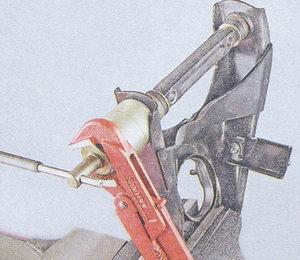 выпрессовка сайлентблока с нижнего рычага