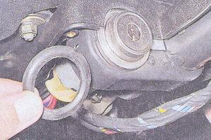 уплотнительное кольцо рулевого кожуха и замка зажигания