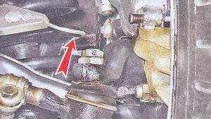 шплинт гайки крепления рулевого пальца к рычагу поворотного кулака