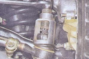 выпрессовка рулевого наконечника