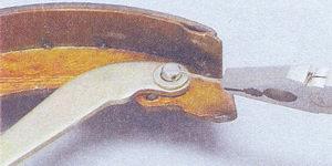 шплинт оси распорного рычага тормозной колодки