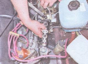 Установка главного тормозного цилиндра на автомобиль ваз 2107 1. Устанавливаем главный тормозной цилиндр на...