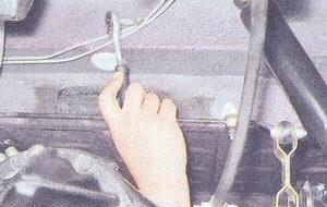 скобы крепления тормозной трубки