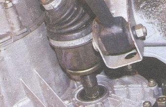 вал привода передних колес