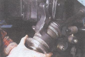 поворотный кулак автомобиля ваз 2108, - 2109, -21099