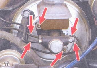 гайки крепления тормозных трубок - гайки крепления главного тормозного цилиндра