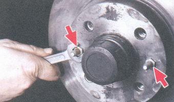 направляющие штифты тормозного диска
