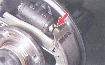 паз поршня тормозного цилиндра