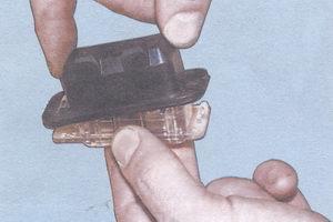 резиновый чехол фонаря освещения номерного знака