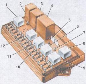 Электрическая схема ваз 21093 и монтажного блока реле замена блока предохранителей Электрическая схема схема...