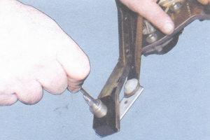 стопорное кольцо валика механизма стеклоочистителя