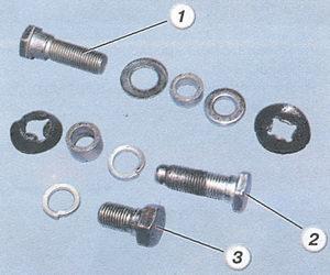 1 - болт верхнего крепления ремня безопасности; 2 - болт нижнего крепления ремня безопасности; 3 - болт крепления катушки ремня безопасности