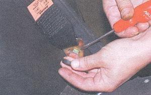 заглушка головки болта крепления поясной ветви ремня безопасности