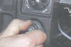 ручка выключателя освещения комбинации приборов