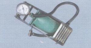 ножной насос со встроенным манометром