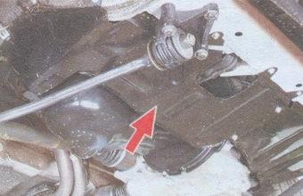 болты крепления защиты картера двигателя