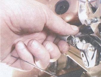 возвратная пружина привода дроссельных заслонок