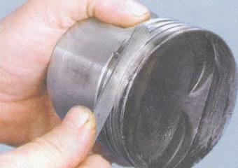 измерение ширины канавок под поршневые кольца