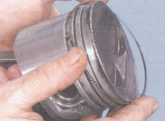 разжимная пружина маслосъемного кольца