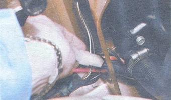 колодка с проводами электродвигателя вентилятора радиатора