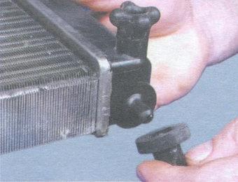 подушки радиатора системы охлаждения