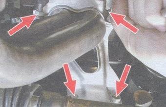 места крепления приемной трубы глушителя