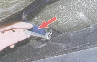 шланг выпуска воздуха из бензобака