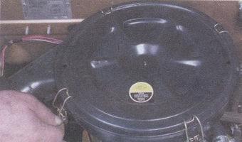 пружинные зажимы крышки воздушного фильтра