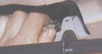 оттяжная пружина педали тормоза