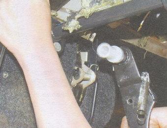 педаль тормоза с дистанционной втулкой