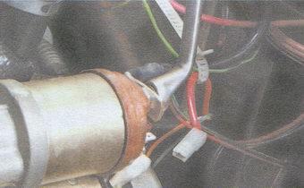 гайка провода контактного болта тягового реле стартера