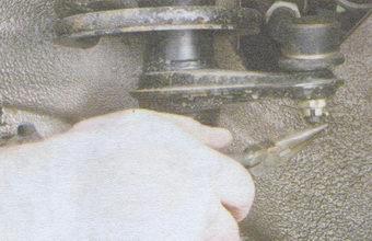 шплинт гайки шарового шарнира рулевой тяги
