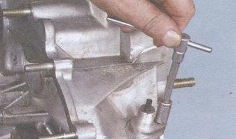 гайка крепления корпуса привода спидометра