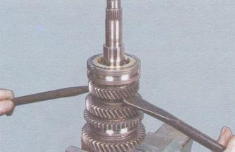 снятие синхронизатора 3-ей и 4-ой передач
