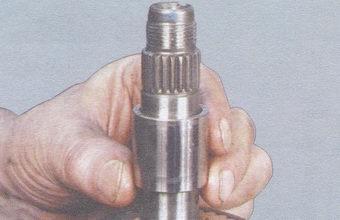 втулка игольчатого подшипника 4-ой передачи