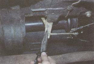 шплинт оси тяги рычага ручного тормоза