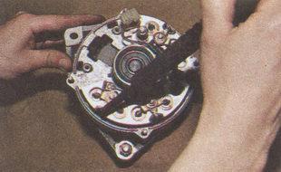 выводы обмоток статора выпрямительного блока генератора