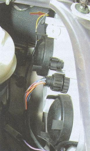 разъем проводов патрона лампы указателя поворота