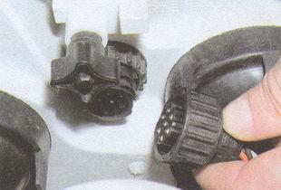 разъем проводов блок фары ГАЗ 31105