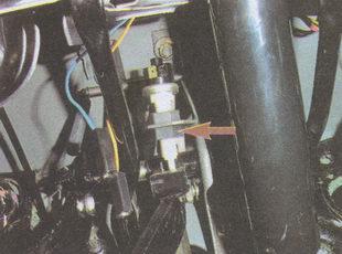 гайка крепления выключателя сигнала торможения