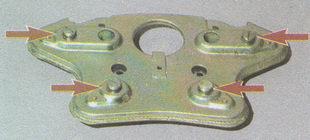 винты крепления рамки выключателя к основанию