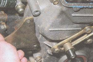 кронштейн генератора двигателя ЗМЗ 406