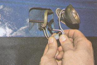 разъем проводов форсунки омывателя лобового стекла