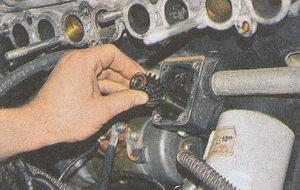 ведомая шестерня привода масляного насоса двигатель ЗМЗ 406 на автомобиле Волга ГАЗ 31105