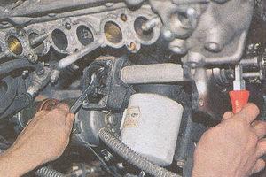 ведущая шестерня привода масляного насоса двигатель ЗМЗ 406 на автомобиле Волга ГАЗ 31105