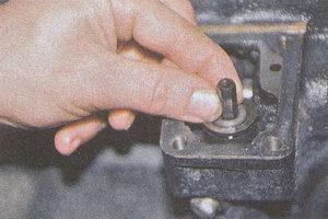 шестигранный валик привода масляного насоса двигатель ЗМЗ 406