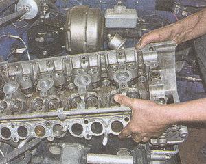 головка блока цилиндров двигателя ЗМЗ 406