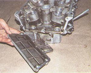 крышка головки блока цилиндров двигатель ЗМЗ 406